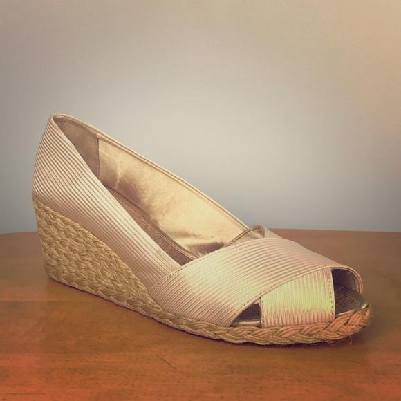 a170272c0ae5 Lauren Ralph Lauren Shoes - Ralph Lauren 🌸 Cecilia Espadrille Open Toe  Wedges